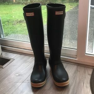 Hunter black rain boots